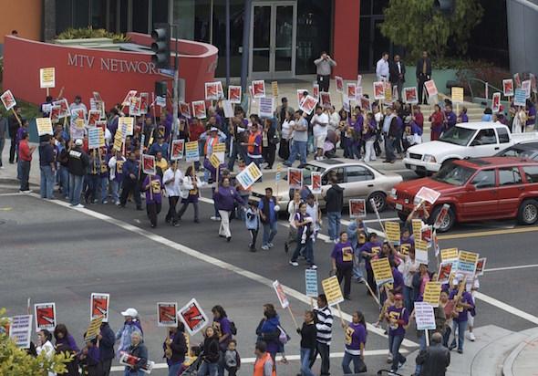 Janitor_strike_santa_monica Labor Day